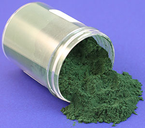 cobaltic acac is a green powder